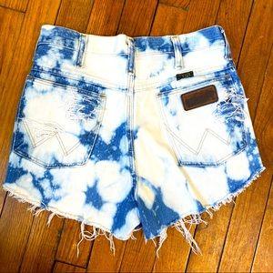 Wrangler Vintage Bleach Tie Dye Jean Shorts 29